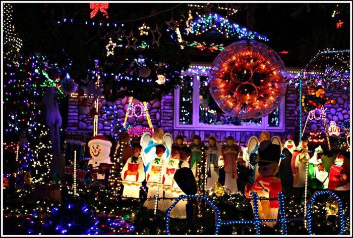Brea Christmas Lights.12 23 09 Christmas Lights In Brea Orange County Daily Photo